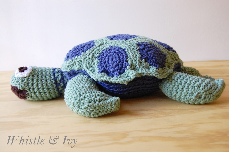Turtleback Jacket Free Pattern Crochet : Joanns Cape Discovery Crochet Sea Turtle - Whistle and Ivy