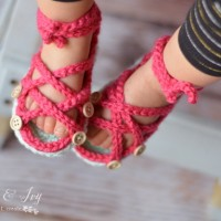 5625d31f5bbf Like Crochet Baby Sandals  You might like these FREE crochet patterns