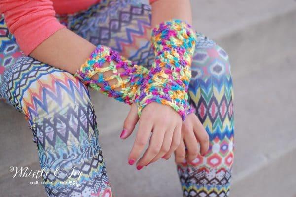 diamond mesh crochet fingerless gloves free crochet pattern