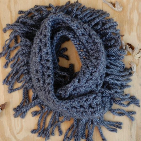 fringe infinity scarf free pattern chunky bulky wool crochet
