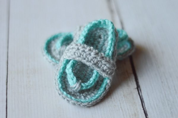 blue and gray crochet flip flops for baby