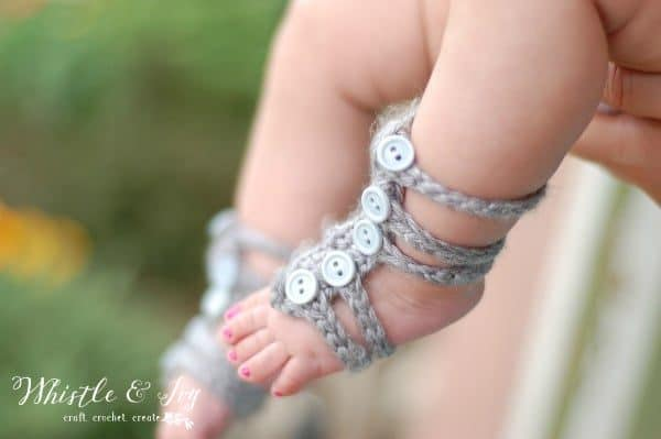 easy barefoot gladiator sandals for baby free crochet pattern