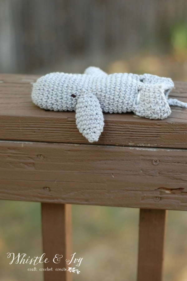 Free Crochet Pattern: Toddler Whale Bath Mitt | Let your little one have fun while helping at bath time with this cute, whale-shaped bath mitt!