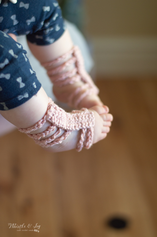 crochet baby barefoot sandals free crochet pattern gladiator sandals