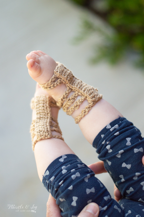 crochet barefoot sandals gladiator sandals for baby free crochet pattern