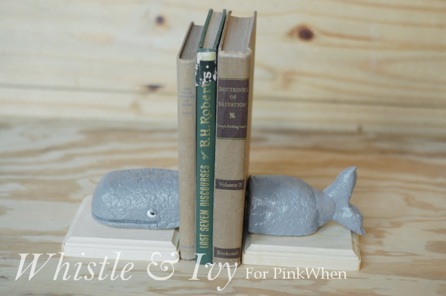 whalebookends4WM2