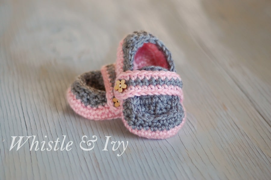 Monk Strap Baby Booties - Free Crochet Pattern {Whistle and Ivy}