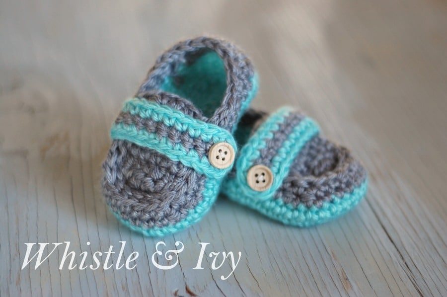 Monk Strap Baby Booties - A free crochet pattern {Whistle and Ivy}