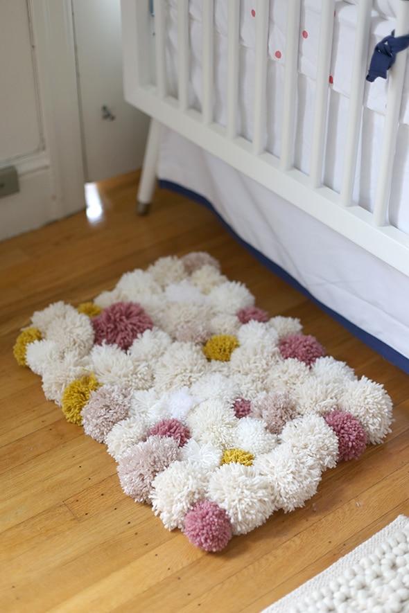 Yarn scraps idea pom-pom rug