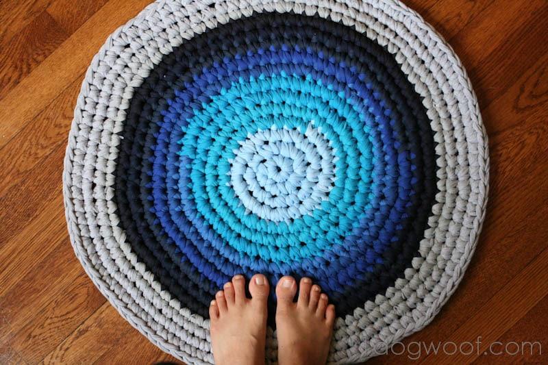 Как вязать круглый коврик крючком видео для начинающих