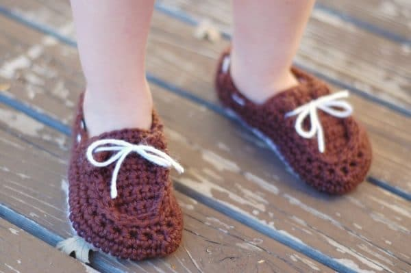 Crochet Pattern For Baby Boat Shoes : Toddler Little Dot Mary Janes Slippers - Whistle and Ivy