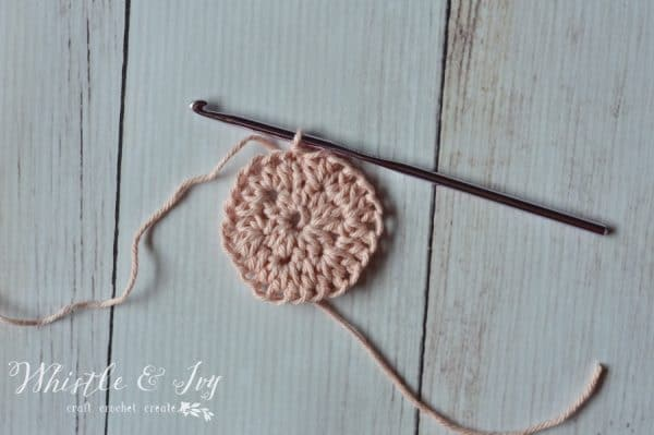 Free Crochet Pattern - Make this simple solid hexagon crochet pattern, perfect for all your hexagon projects!