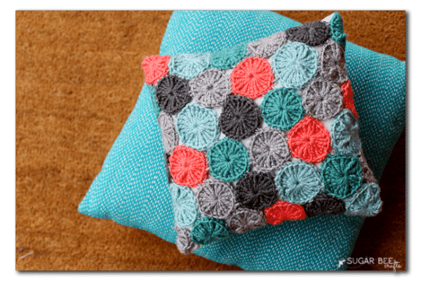 Crochet Yoyo Patterns : Crochet Geo Stripe Pillow - Whistle and Ivy