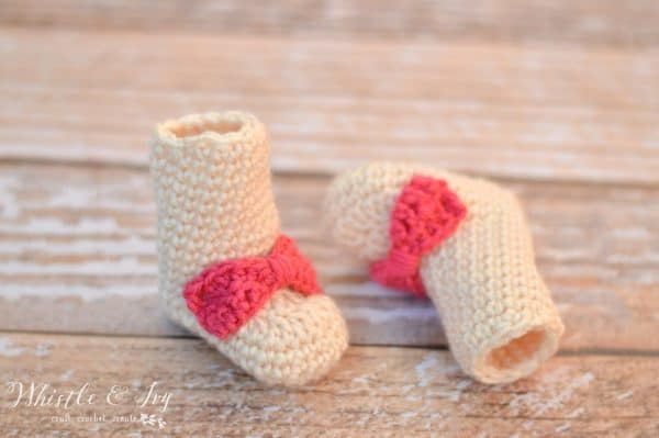 crochet booties for newborn baby with bow