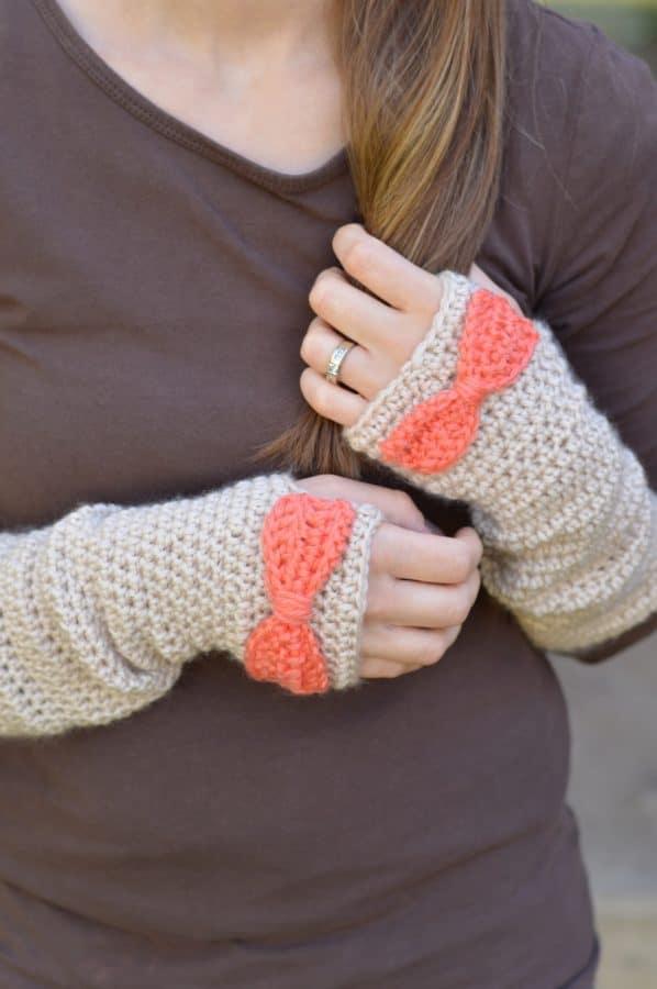 Dainty Bow Crochet Arm Warmers
