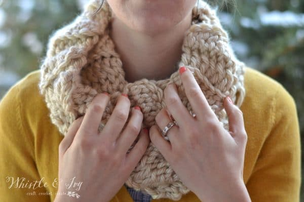 FREE Crochet Pattern: (almost) 30 Minute Crochet Cowl - Make the pretty ribbed crochet cowl with one skein of yarn and in about 30 minutes!