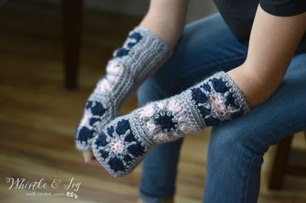 16 Pretty and FREE Crochet Arm Warmer and Fingerless Glove Patterns