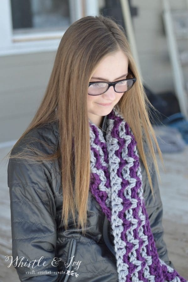 Ric Rac Striped Scarf - Make this quick and chunky crochet scarf with this free crochet pattern.