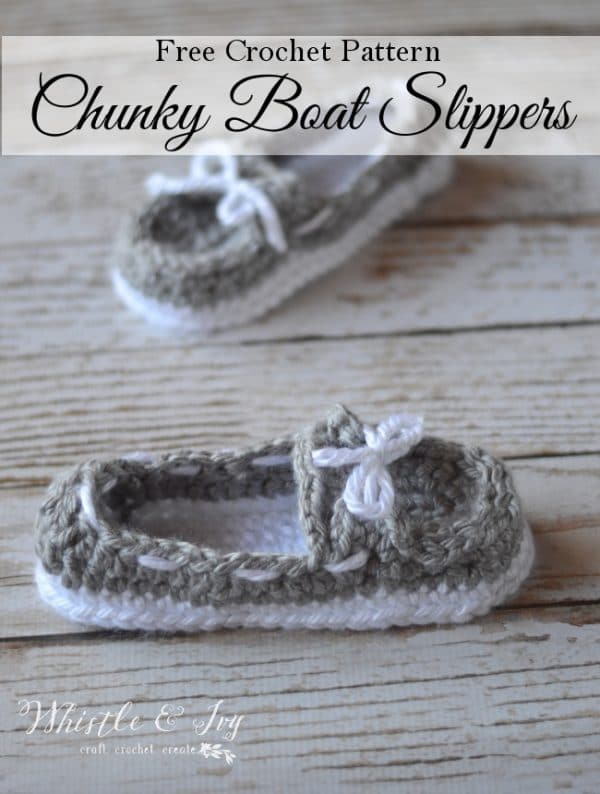 Free Crochet Pattern - Women's Chunky Boat Slippers | Make these comfy slippers, the perfect cozy slippers to wear all-year-round.