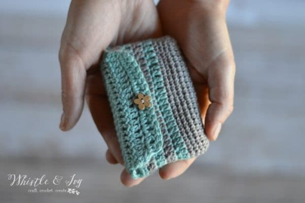 Free Crochet Pattern: Never miss a sales opportunity again by carrying around your business cards in this cute crochet business card pouch!