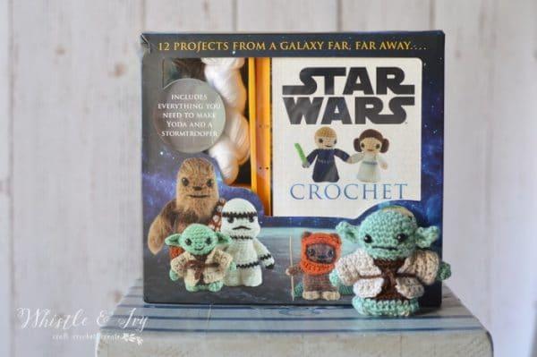 Crochet Yoda Amigurumi - Calling all Star Wars fans! Crochet this adorable (and easy) Yoda Amigurumi. Be sure to make each character, too!