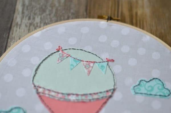 Hot Air Balloon Hoop Art - Come Fly with Me Hoop Art | A simple (and easy!) embroidery project. Perfect for beginners, with easy stitches.