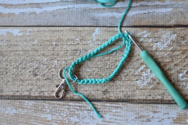 FREE Crochet Pattern: Crochet Key Fob   Keep your keys handy with this useful and fun crochet key fob. The clip make it easy to attach to your keyring.
