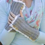 Vintage Style Crochet Arm Warmers (with Thumbholes) – Free Crochet Pattern