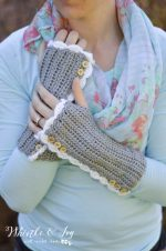 Crochet Vintage Arm Warmers with Thumbholes