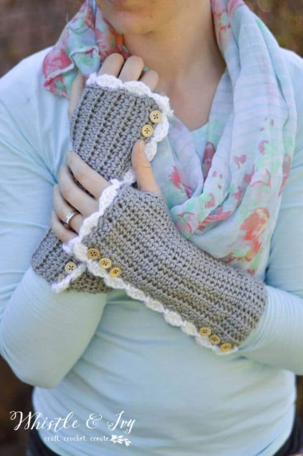 button vintage style crochet arm warmers free pattern