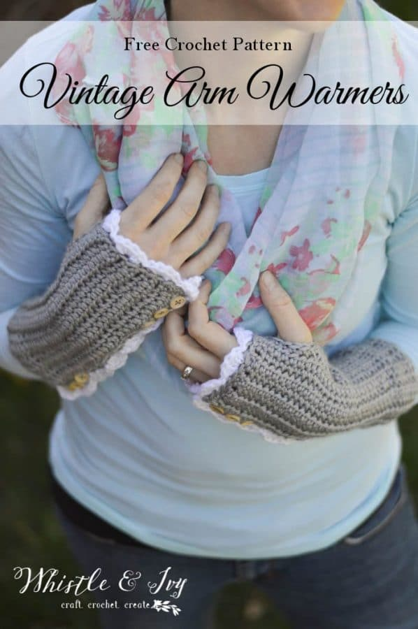 free crochet pattern vintage style arm warmers with button and lacy edge