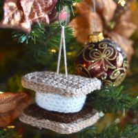 Crochet S'more Ornament
