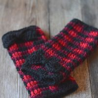 Crochet Plaid Arm Warmers