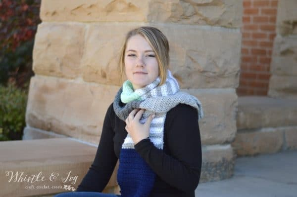 FREE Crochet Pattern: Stripes and Solids Crochet Scarf | Mix and match your favorite colors while making this pretty scarf! Beginner friendly!