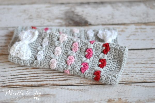 free crochet pattern crochet heart stitch arm warmers ombre red and pink