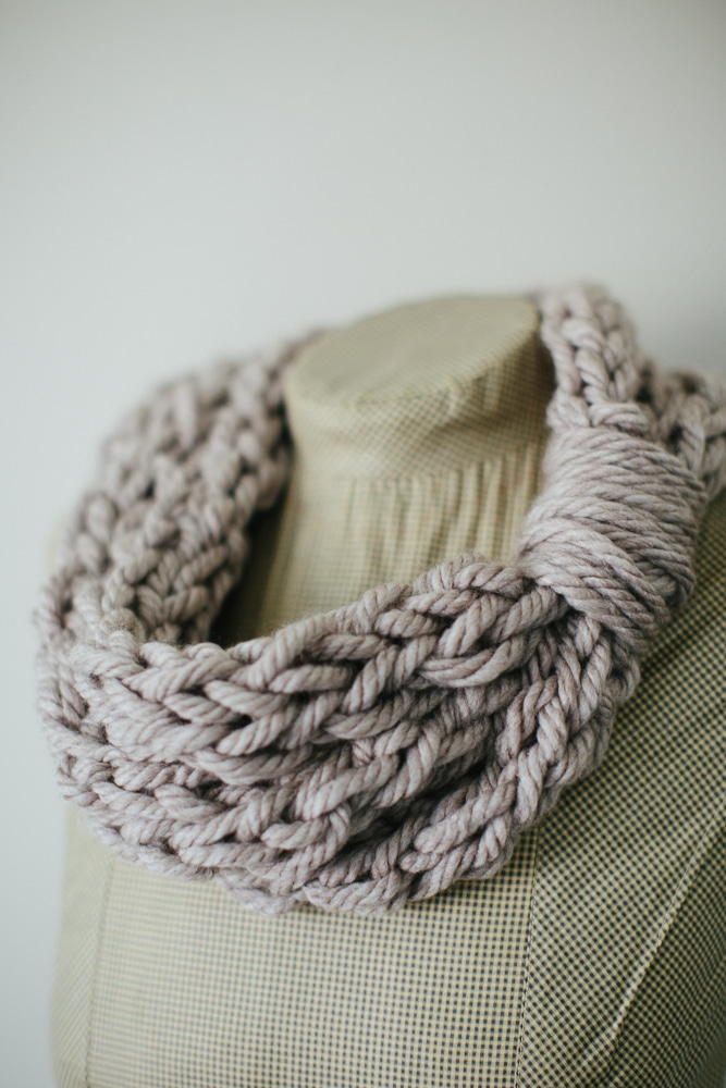 Finger Knitting Uses : Finger knit cowl and tutorial whistle ivy
