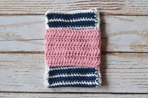 FREE Crochet Pattern: Fancy Stripes Device Pouch | Customize this fun pattern for any device you own. The bow is the perfect touch!