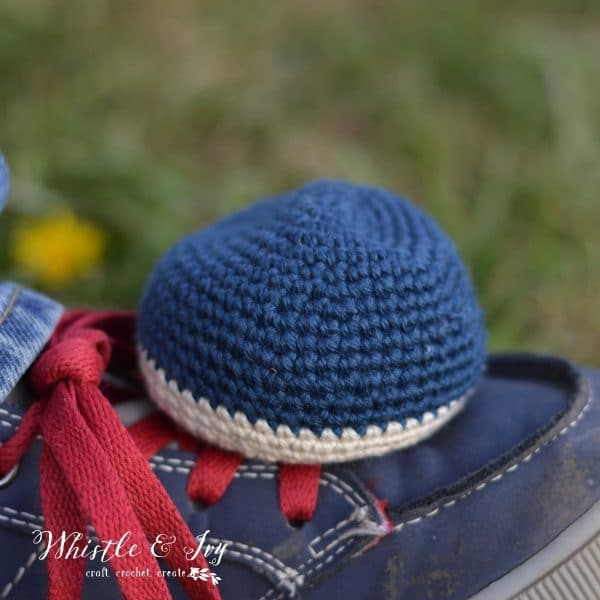 FREE Crochet Pattern: Crochet Hacky Sack | Make your very own foot bag with this easy crochet pattern! Mix and match colors to make it your own.