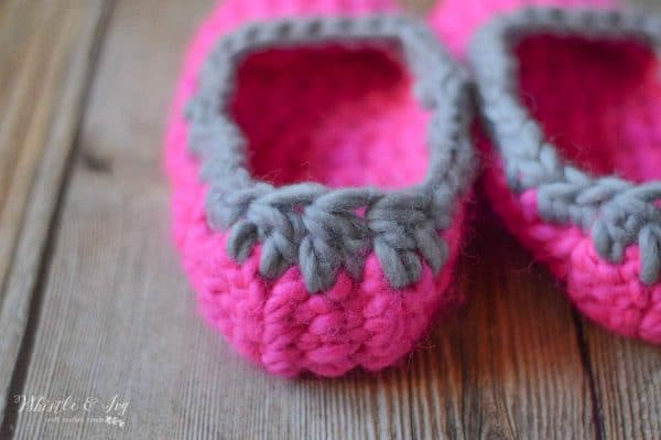 FREE Crochet Pattern: 30 Minute Chunky Crochet Slippers | These quick and cozy slippers work up very fast and are so comfortable!