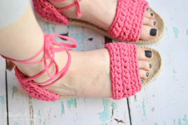 Crochet Espadrille Sandals - A kit is the perfect way to make crochet shoes! This kit is easy to make and comfortable to wear and included 2 styles.