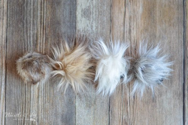How to Make DIY Fur Pom-Poms - Make your won trendy fur pom-poms with this simple tutorials. They are easy to make than you think!