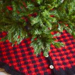 Crochet Plaid Tree Skirt – Free Crochet Pattern