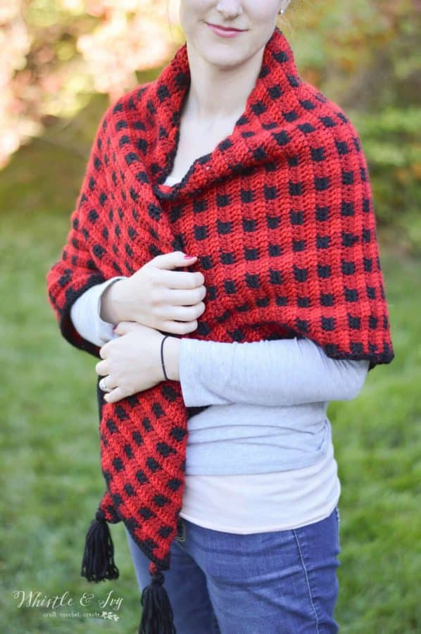 FREE Crochet Pattern: Crochet Plaid Triangle Scarf - This cozy scarf is perfect for chilly fall weather and doubles as a shawl too!