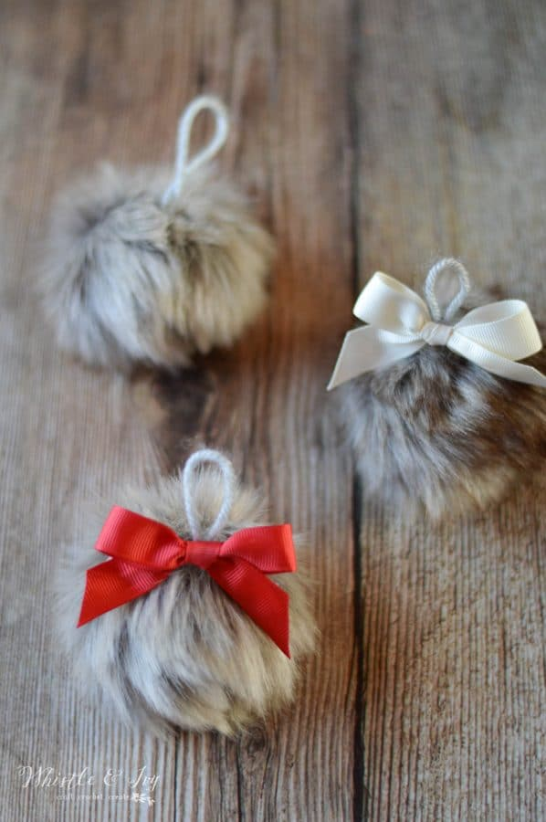 DIY Fur Ornament Baubles: These simply little bauble ornaments are easier to make than you think! Very trendy for the modern Christmas tree.