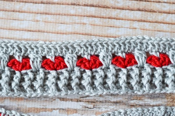 how to make crochet heart infinity scarf