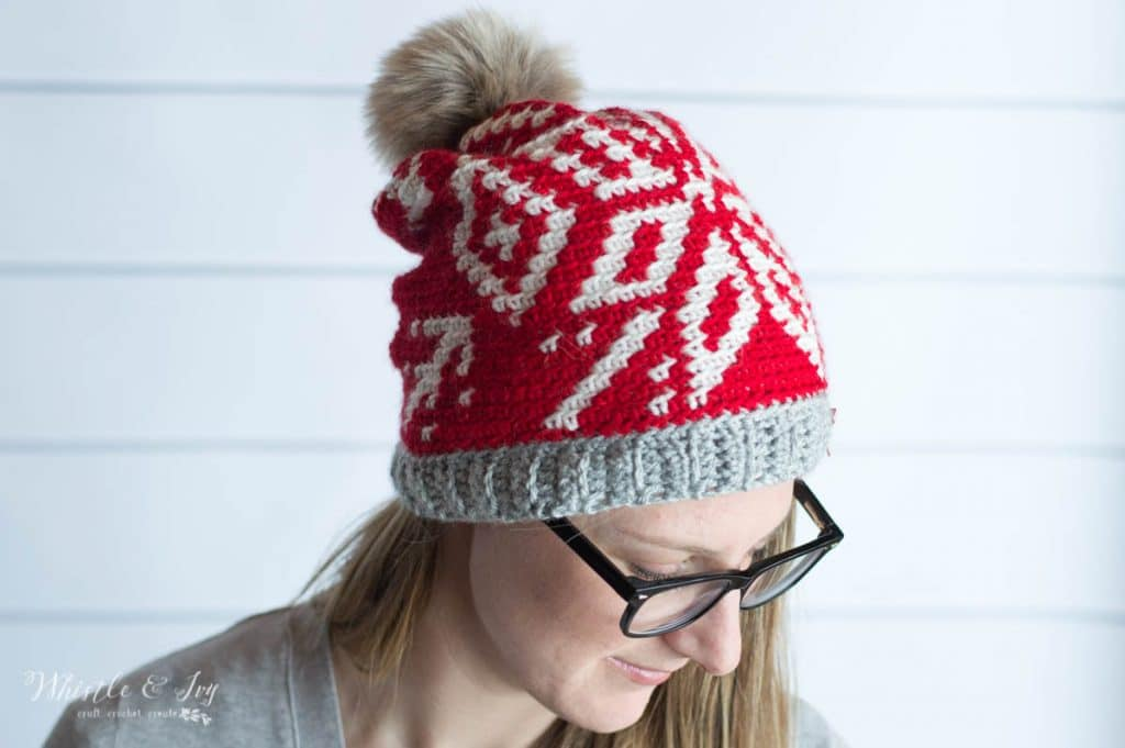 free crochet pattern snowflake red and white toque hat slouchy