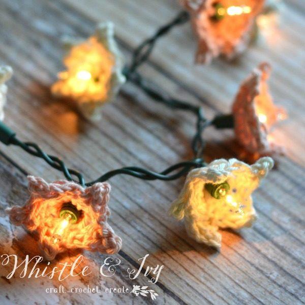 crochet stars around christmas lights
