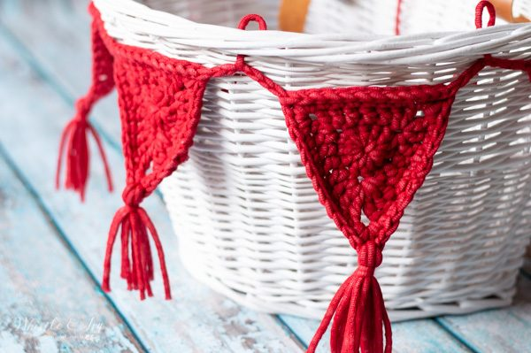 outdoor yarn crochet bunting for bicycle
