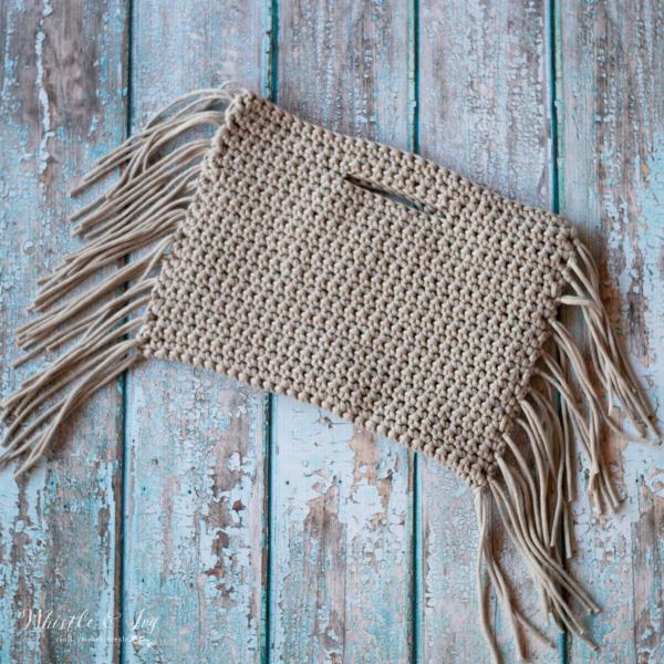 crochet fringe clutch free crochet pattern