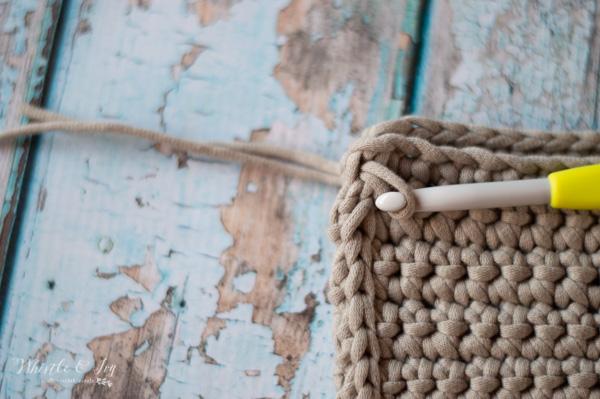 adding tassels crochet fringe clutch free crochet pattern